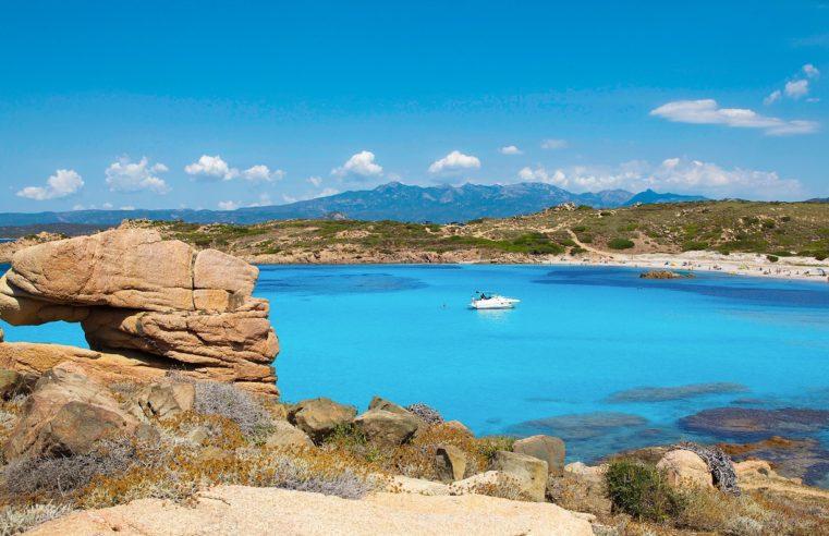 Corse ou Sardaigne : quelle destination estivale choisir ?