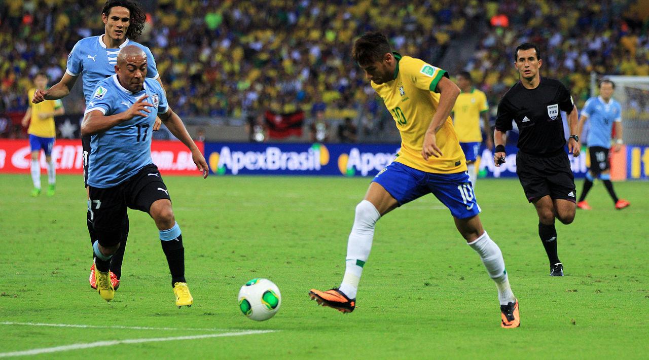 Chaque fois que Neymar tombe, ils trinquent !