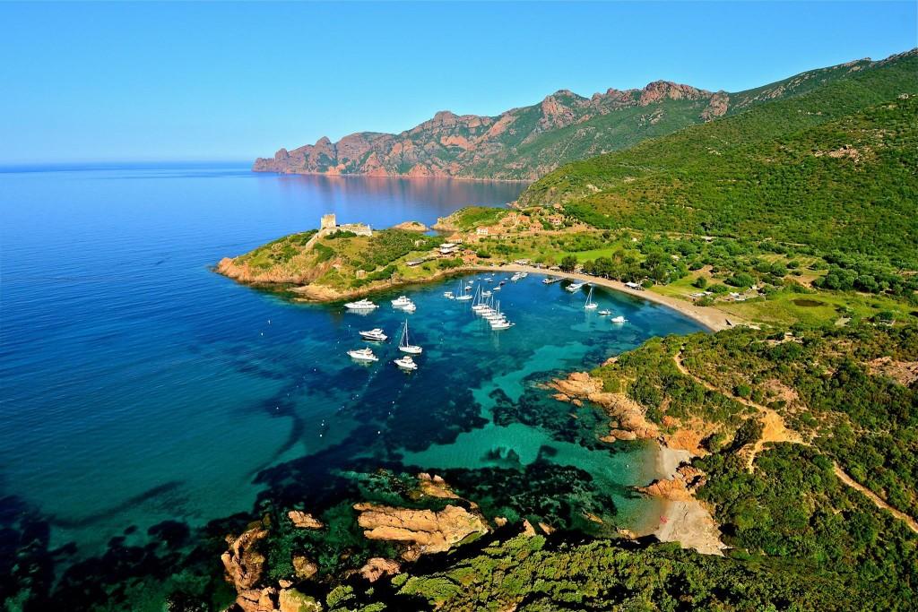 Le port de Girolata en Corse