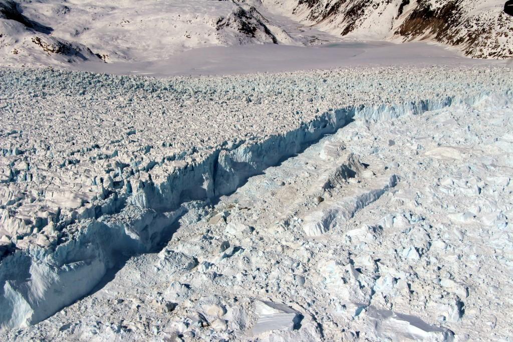 10 tonnes de glaces se décrochent et dérive au Groenland