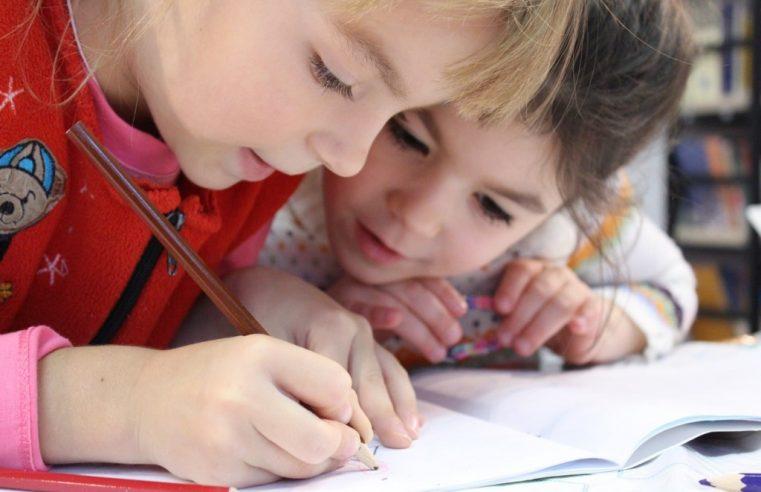 Pourquoi choisir une école Montessori à Paris pour son enfant ?