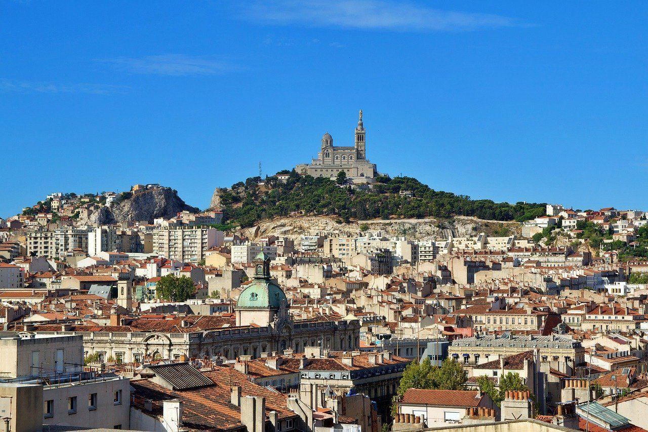 Marseille, port du masque obligatoire partout et soirées limitées