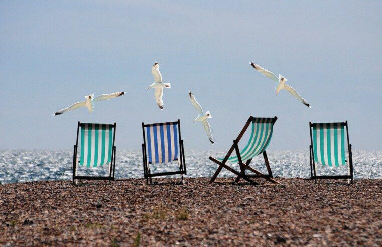 Les français veulent partir en vacances mais n'ont pas encore réservé.