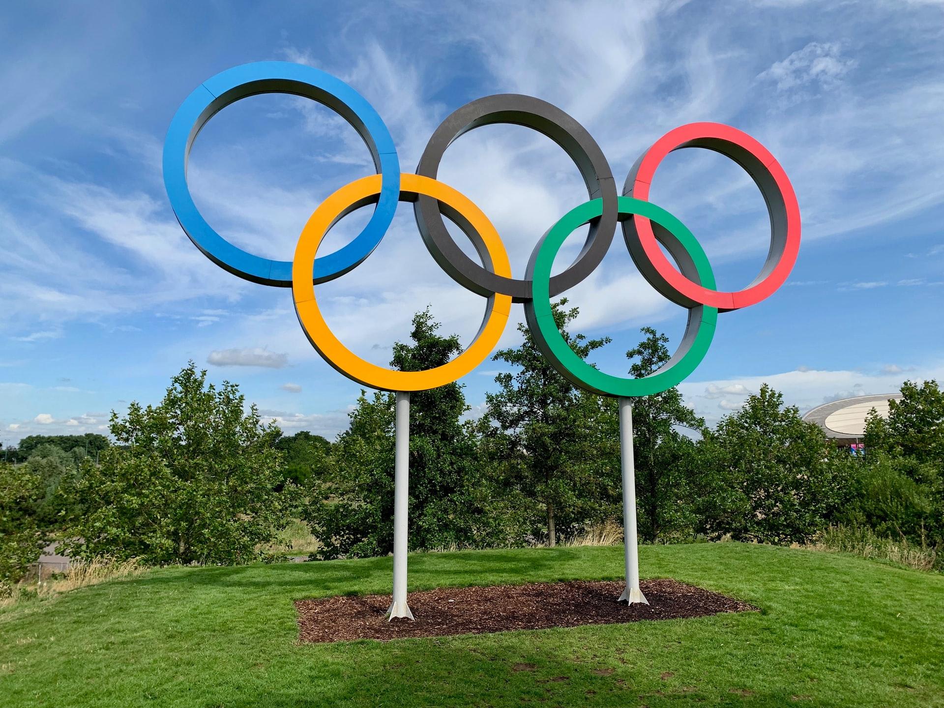 J.O de Tokyo : le relais de la flamme olympique sans cris